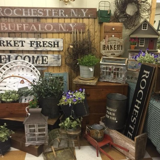 Come browse our unique <br /> selection of crafts and antiques.